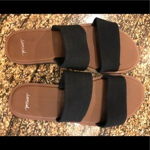 Sanuk Sandals. Size 6. Black